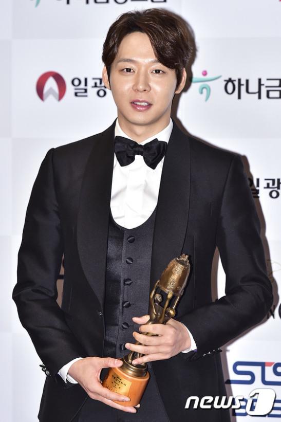 '남우신인상' 박유천, '더 열심히 하는 배우가 될